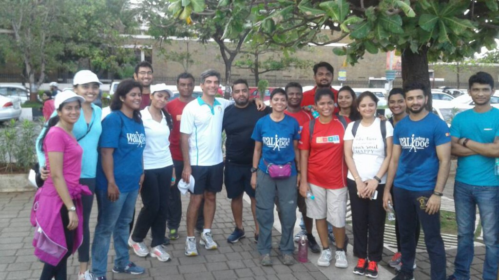 Dr. Aashish with his and GOQii team after the walk