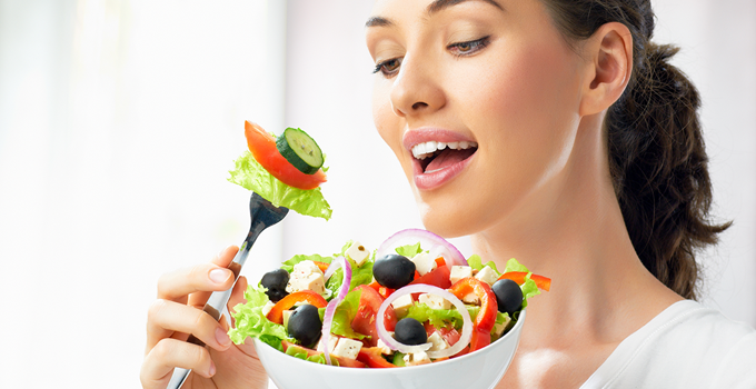 Healthy-eating-tips-for-women-at-40