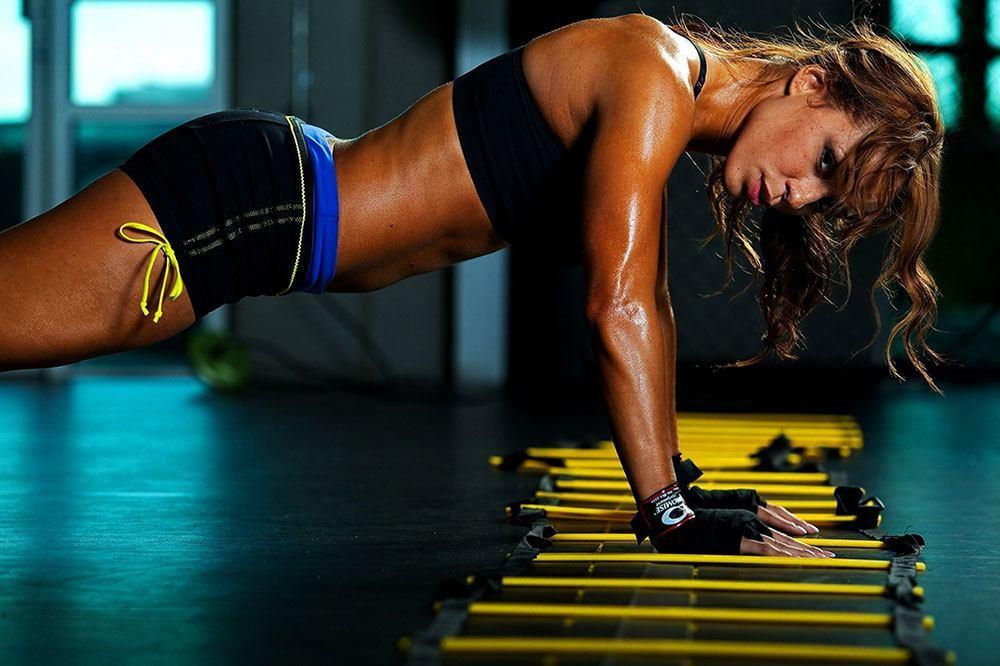 woman-push-ups